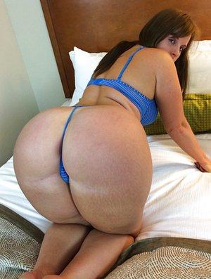Latina Knees Photos